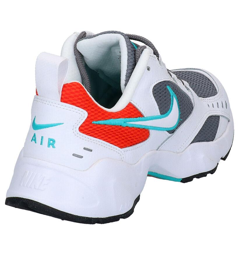 Nike Air Heights Zwarte Sneakers in stof (265923)