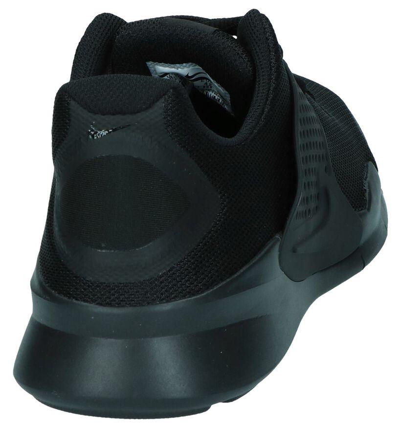 Nike Arrowz Baskets basses en Gris clair en synthétique (250327)