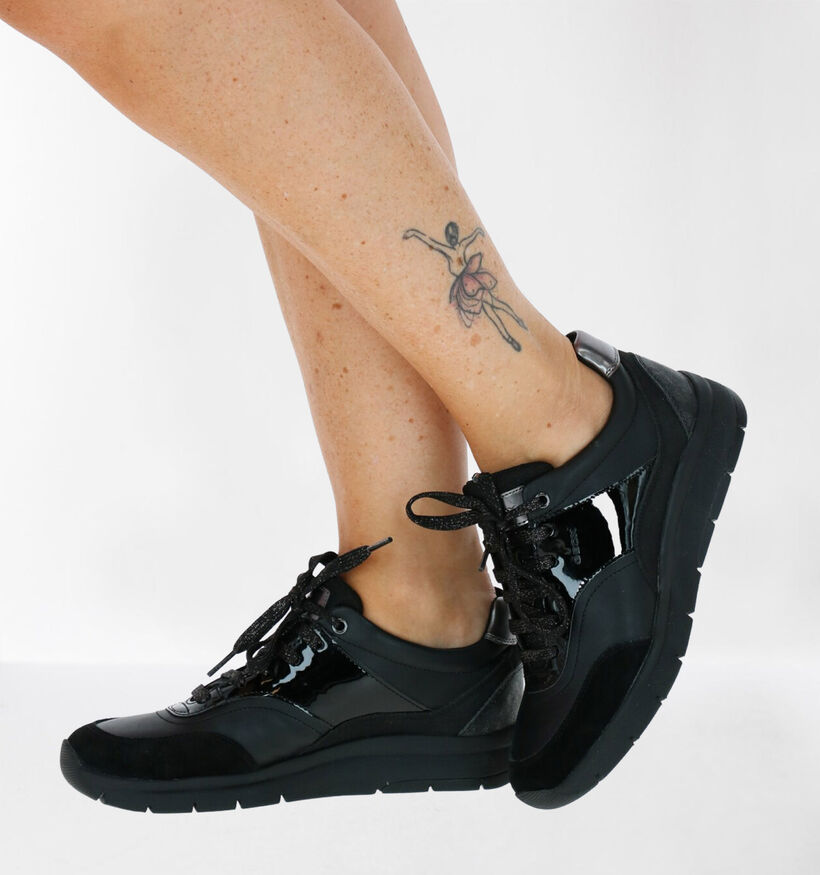 Geox Callyn Chaussures à Lacets en Noir en cuir verni (277060)