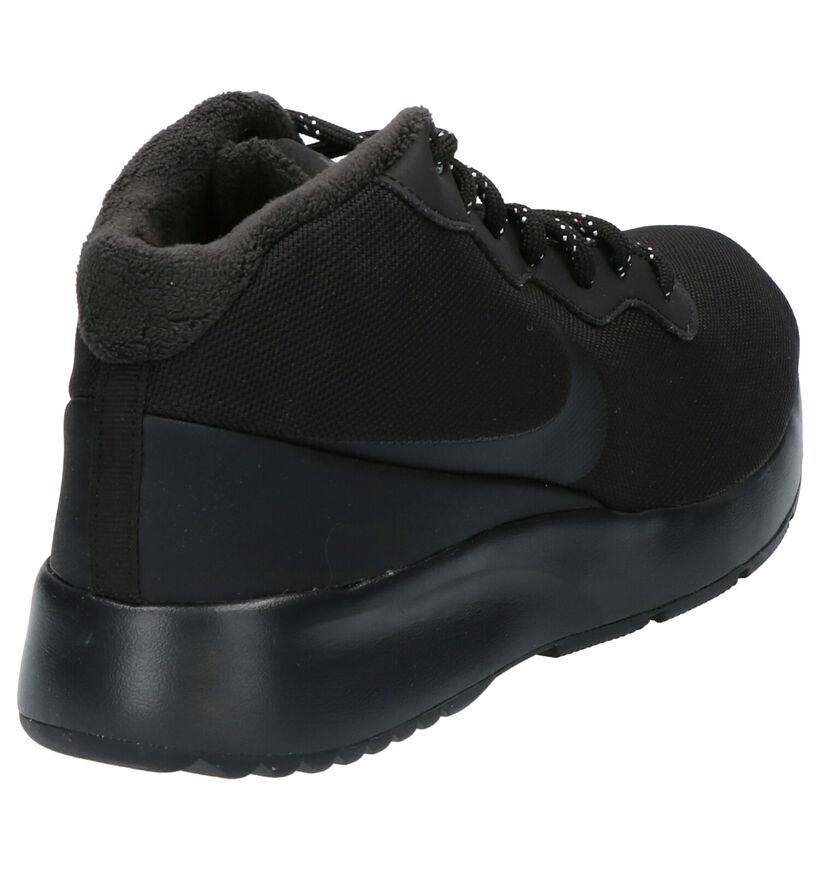 Nike Tanjun Chukka Zwarte Sneakers in stof (254034)