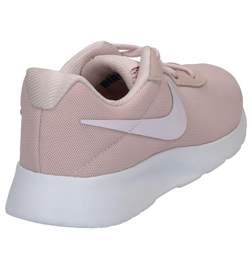 Nike Tanjun Zwarte Sneakers in stof (261705)