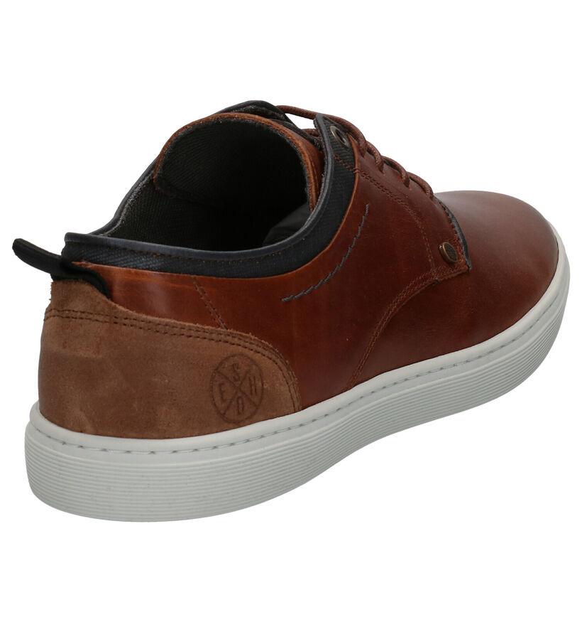 Bullboxer Chaussures basses en Cognac en cuir (272340)