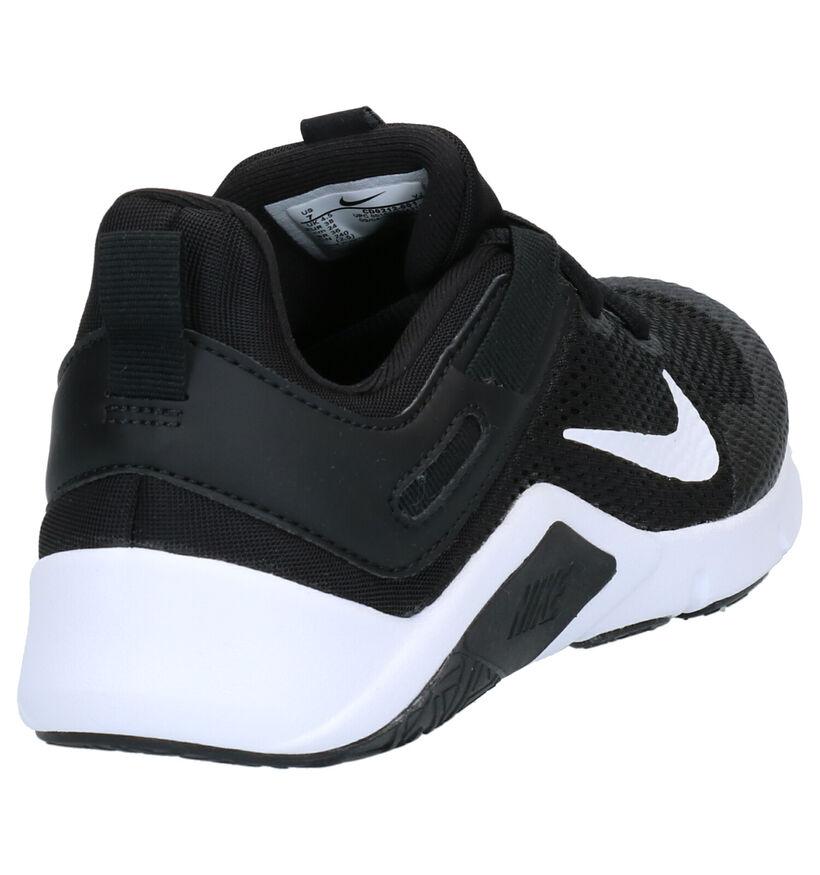 Nike Legend Essential Baskets en Noir en simili cuir (266635)