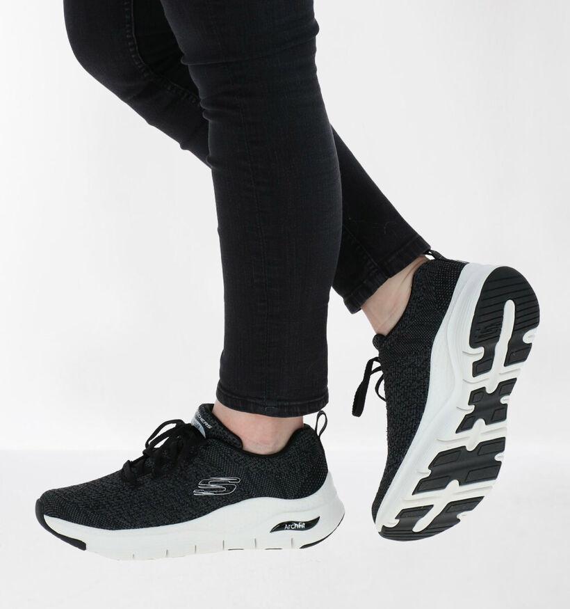Skechers Arch Fit Zwarte Sneakers in stof (286768)