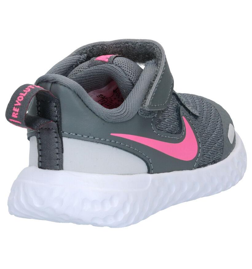 Nike Revolution Baskets en Gris en synthétique (277543)
