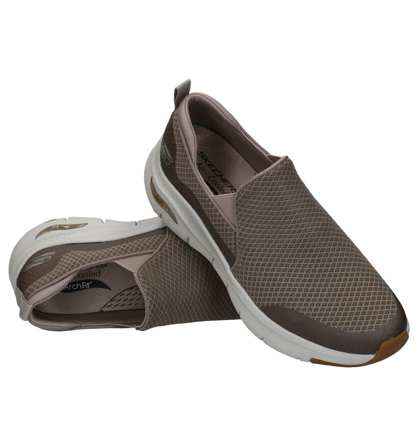 Skechers Arch Fit Taupe Instappers in stof (287008)