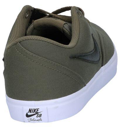 Zwart Skateschoenen Nike SB Check Solar in stof (250321)