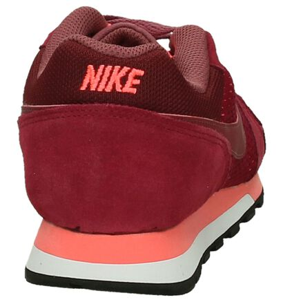 Rode Sneakers Nike MD Runner2 in daim (200134)