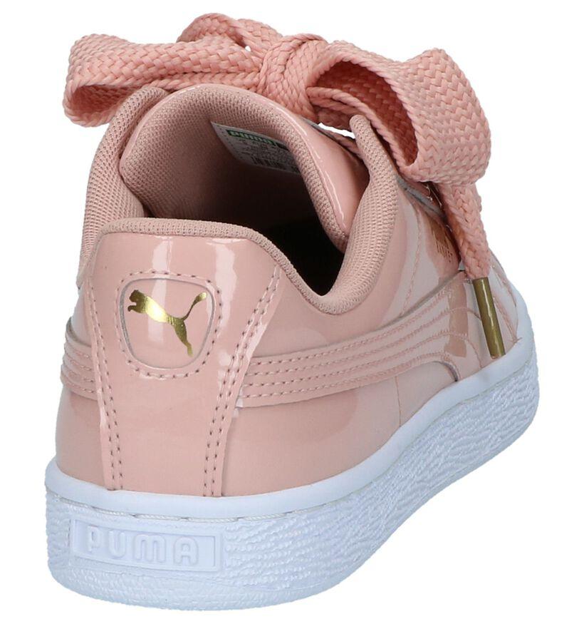 Zalmroze Lage Sportieve Sneakers Puma Basket Heart Patent in kunstleer (209961)