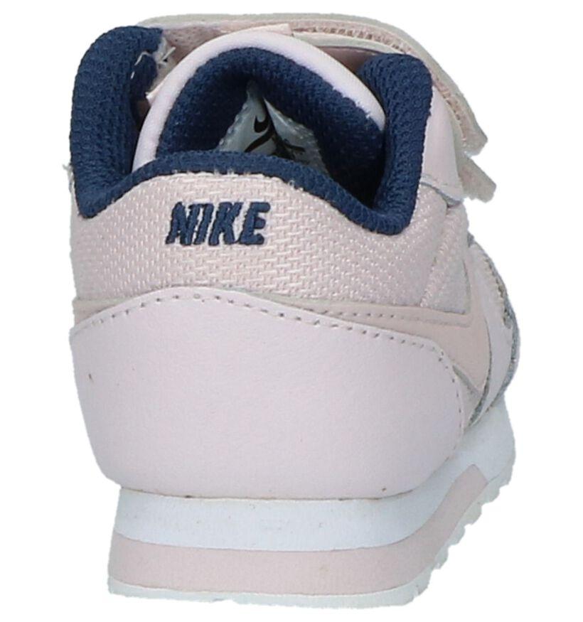 Nike MD Runner Baskets basses en Rose clair en simili cuir (209985)