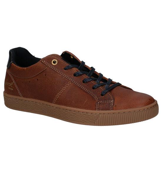 Bullboxer Chaussures basses en Cognac