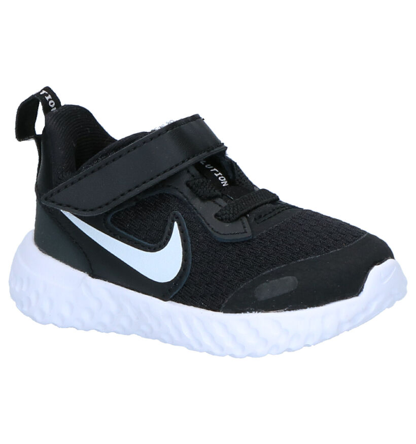 Nike Revolution Zwarte Sneakers in stof (261635)