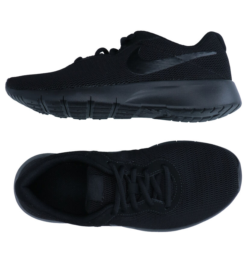 Nike Tanjun Zwarte Sneakers in stof (283697)