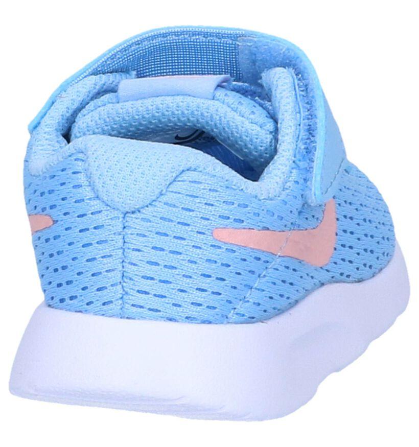 Nike Tanjun Baskets basses en Bleu clair en textile (249976)