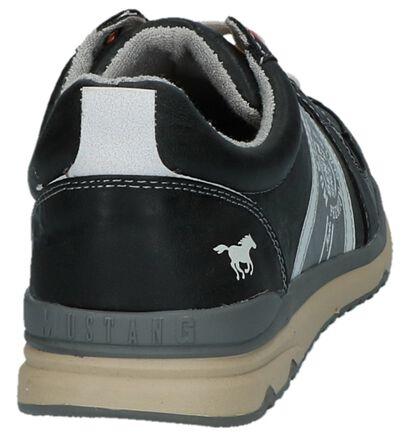 Mustang Chaussures basses en Noir en simili cuir (223650)