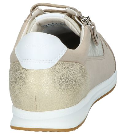 Geox Chaussures basses en Noir en cuir verni (242141)