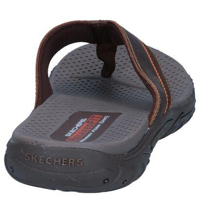 Bruine Teenslippers Skechers Relaxed Fit in leer (247234)