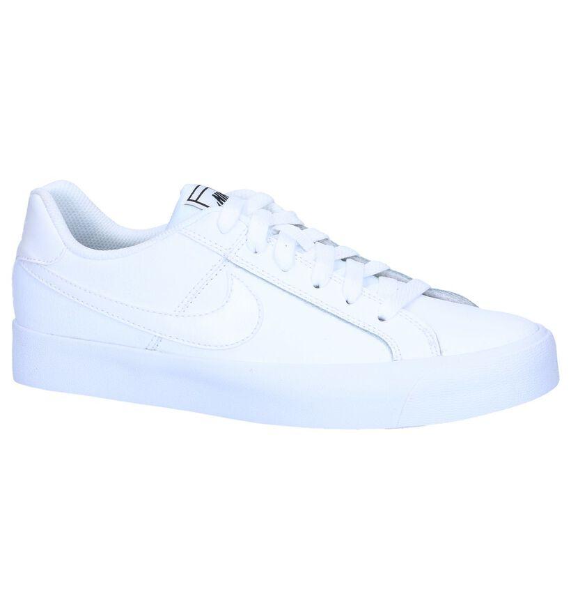 Nike Court Royale Baskets basses en Blanc en cuir (250262)