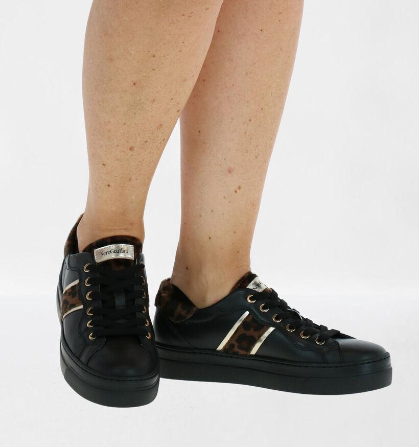 NeroGiardini Chaussures à lacets en Noir en textile (281737)