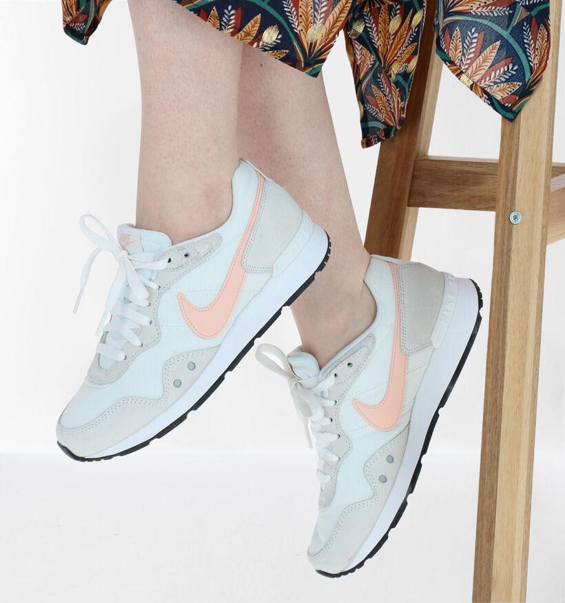 Nike Venture Runner Baskets en Noir en textile (283870)