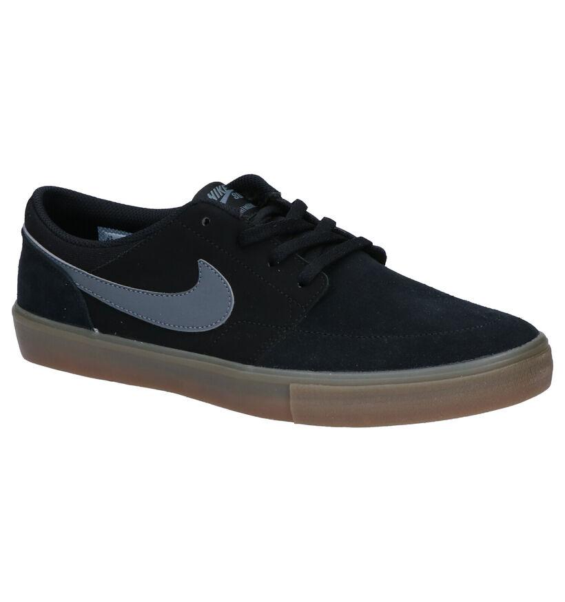 Nike SB Baskets de skate en Noir en daim (266543)