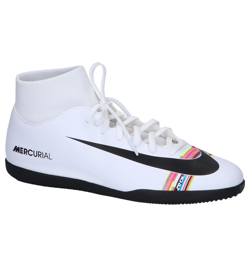 Nike Chaussures de foot en Blanc en simili cuir (250400)