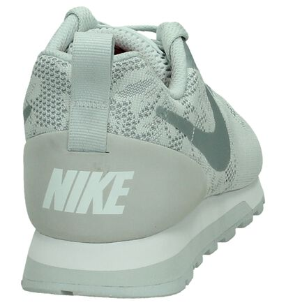 Nike MD Runner Baskets basses en Bleu clair en textile (198252)