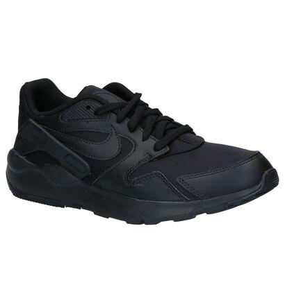 Nike Victory Baskets en Noir en simili cuir (261689)