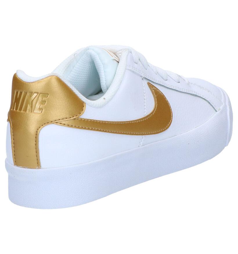 Nike Court Royale Basket en Blanc en cuir (261700)
