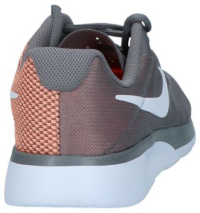 Nike Tanjun Baskets basses en Gris en textile (219638)