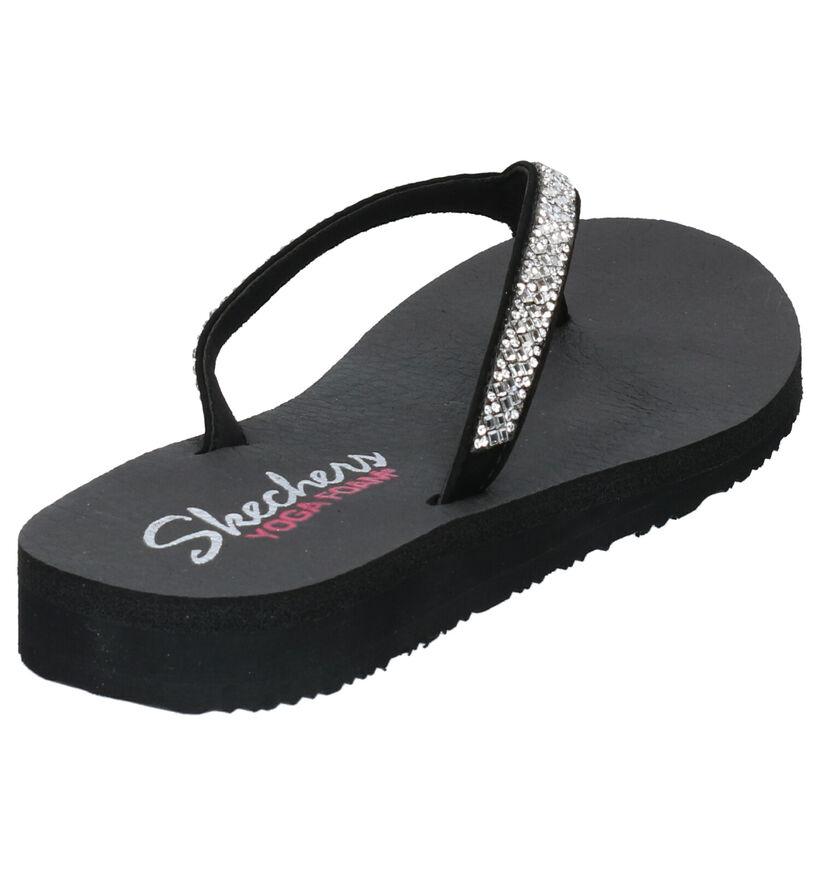Skechers Yoga Foam Tongs en Noir en simili cuir (272705)