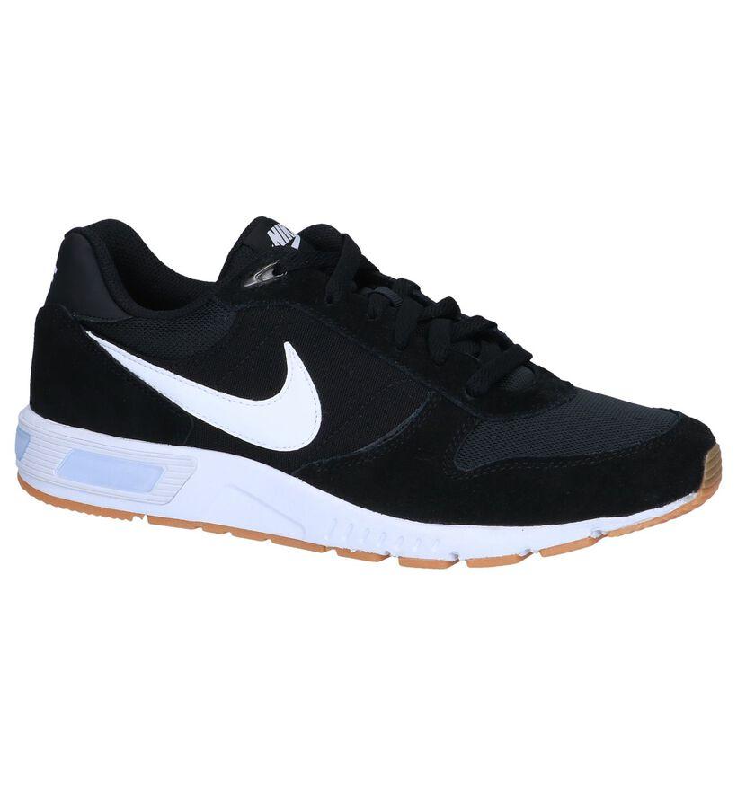 Zwarte Sneakers Nike Nightgazer in daim (250287)