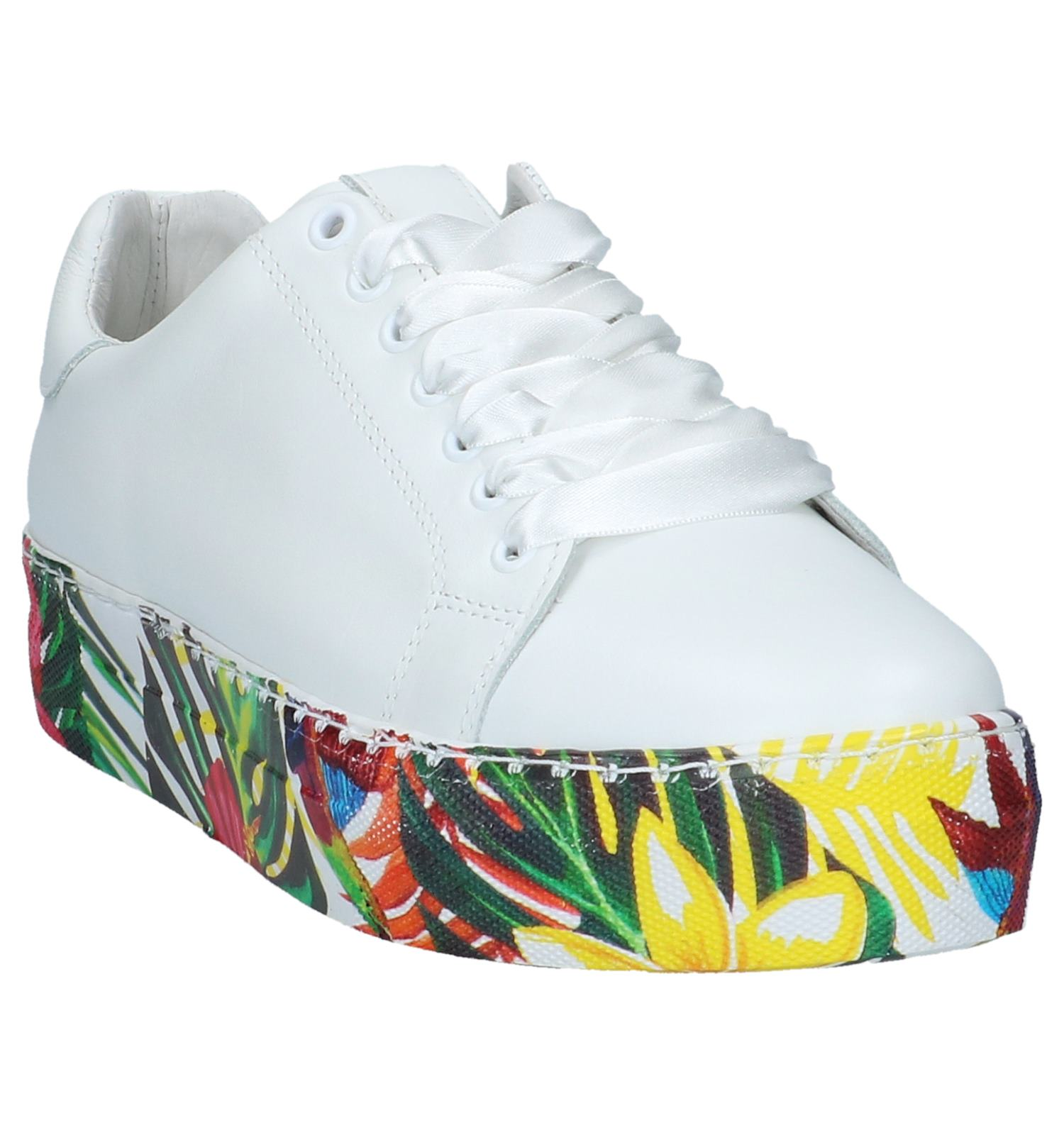 bba973c67d4 Witte Lage Geklede Sneakers met Bloemen Via Limone by Amalia | TORFS.BE |  Gratis verzend en retour