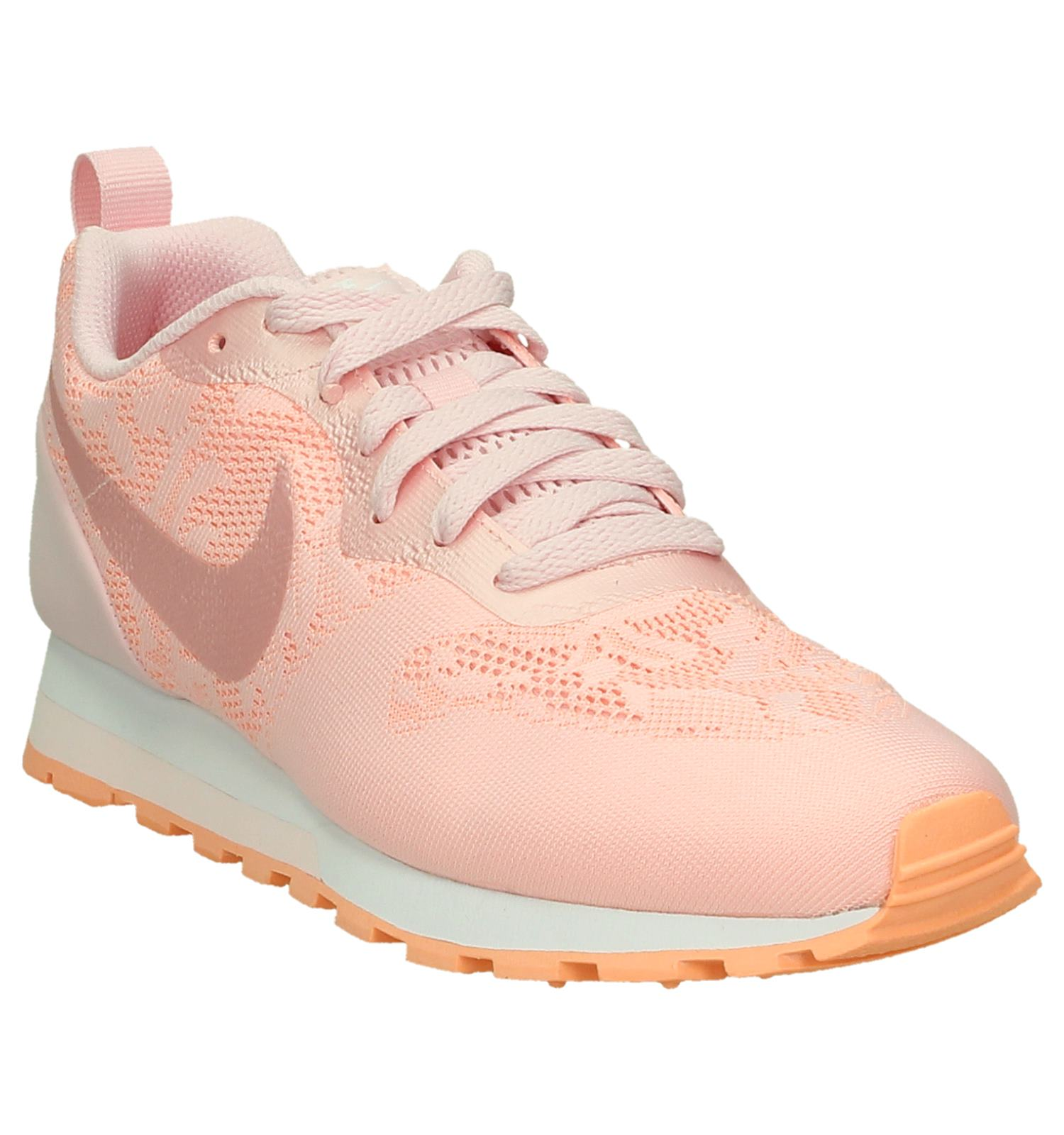 pretty nice bb4fa f59a3 Roze Sneaker Nike MD Runner  TORFS.BE  Gratis verzend en ret