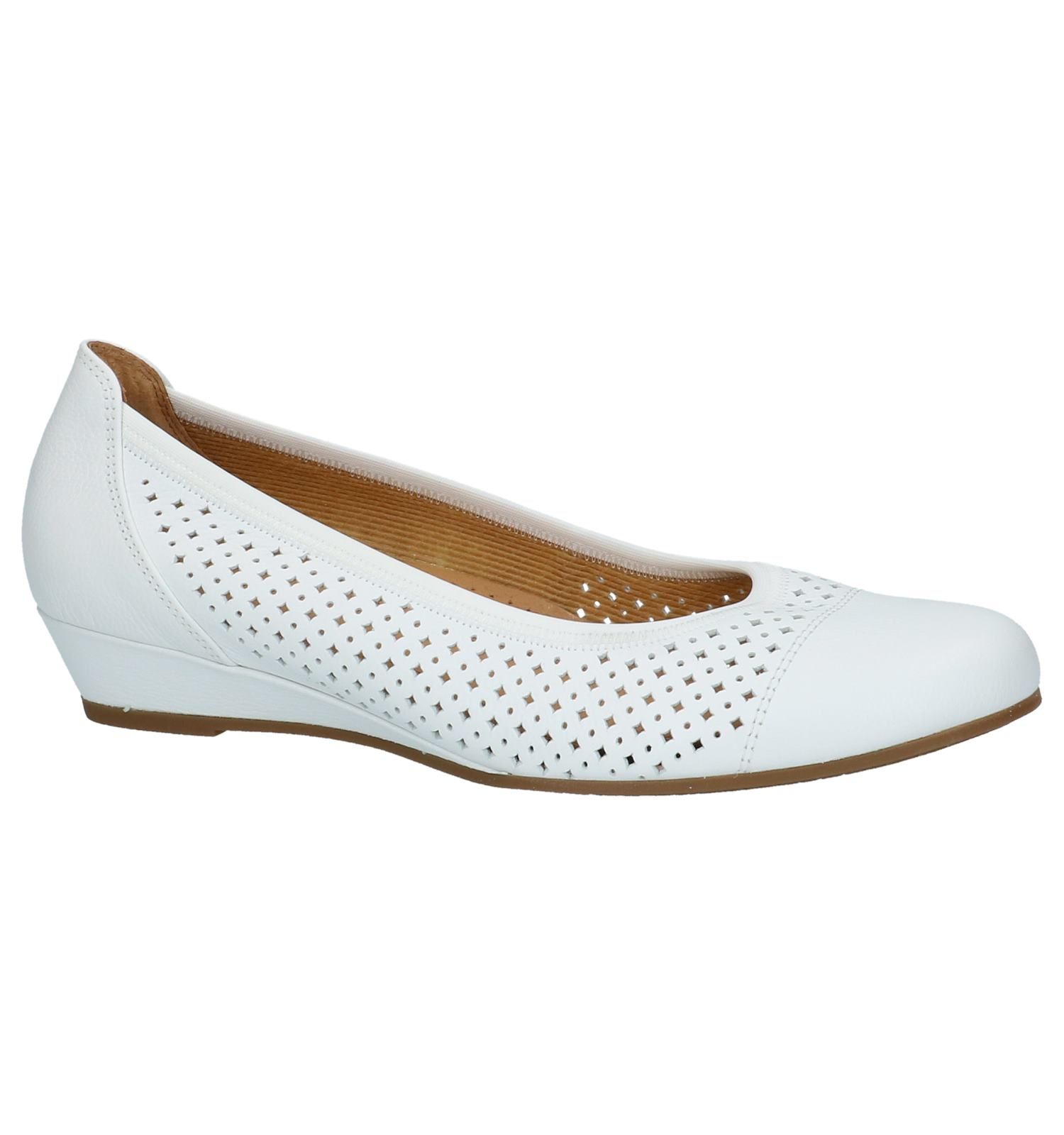 d1b626ca8fe Witte Ballerina's Gabor Easy Walking met Cut-Outs   TORFS.BE   Gratis  verzend en retour