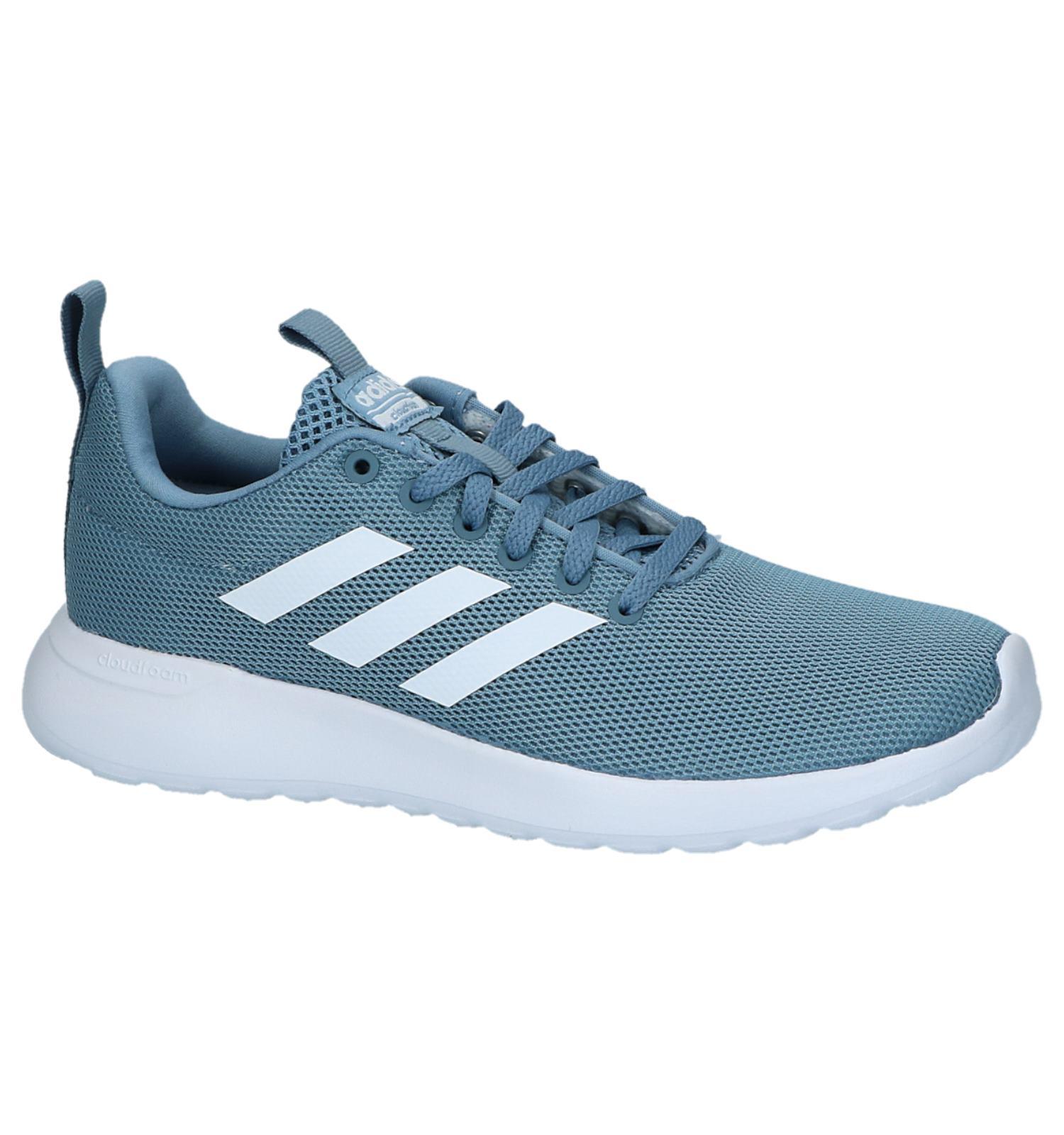 licht blauwe adidas schoenen